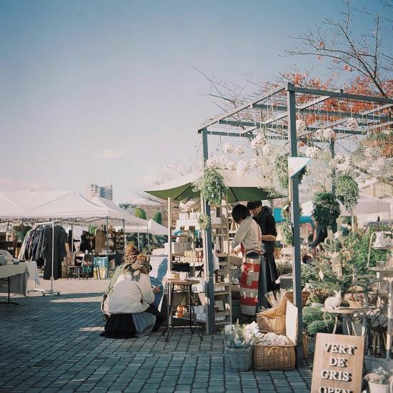 関西蚤の市の画像